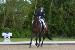 Nicky Greenhill and Gregorian Chant winning at Hickstead National Championships 2015